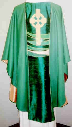 Celtic Cross / Wave Chasuble (C11)