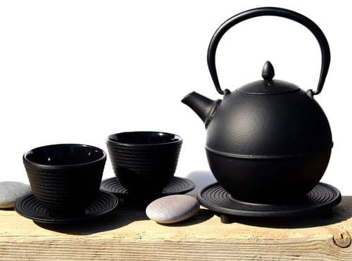 Cups, Cannon Ball & trivet - Japanese style Tetsubin cast iron black tea pot kettle 0.7 Litre