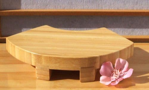 Sushi fan shaped display GETA board in lacquered wood 14.5 X 10 cm